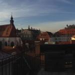 Blick von der Dachterasse auf Schlossberg